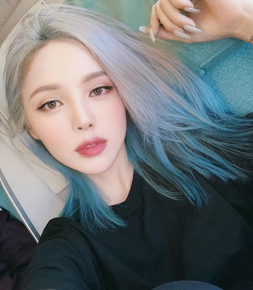 Xanh cổ điển, tím ombre - màu tóc nhuộm hot trends của năm 2020